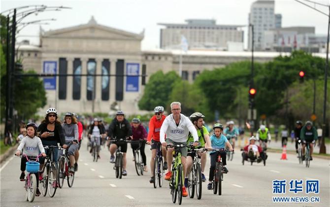 芝加哥举行湖滨大道骑行活动