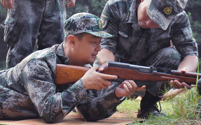 澳门金沙总站区开展领导干部军事日活动