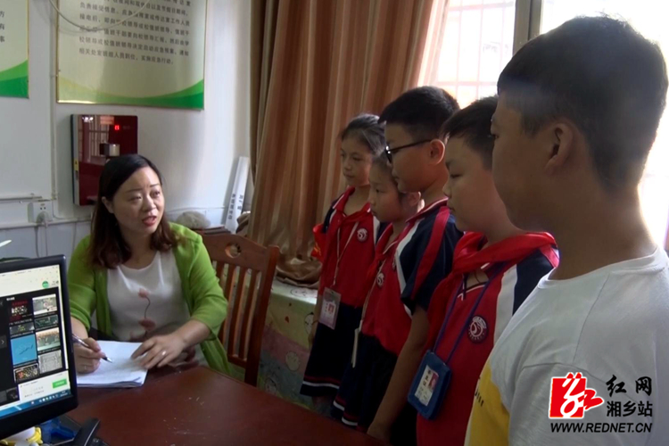 【身边的好老师】王丰:用心呵护每一个10分3D学生 成长