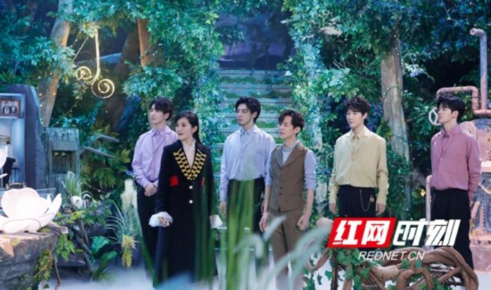 """何炅、谢娜化身心愿师 五分3D湖南 卫视""""中秋之夜""""聚焦普通人的故事"""