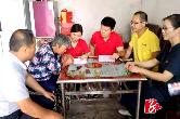 户帮户 亲帮亲 | 湘潭·湘乡:万里行10分3D集团 与8名贫困户签订扶贫协议
