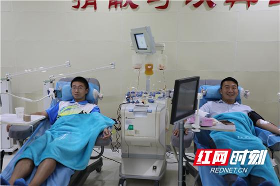 90后双胞胎兄弟相约献血10年共献50次