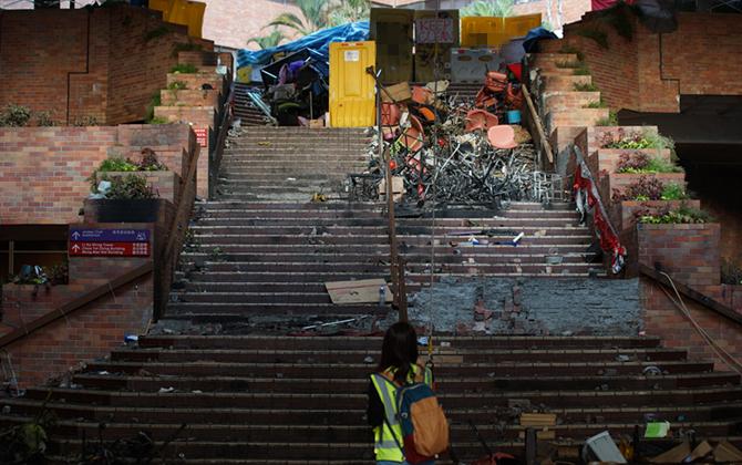 组图丨香港理工大学之殇,看暴徒对她做了什么?