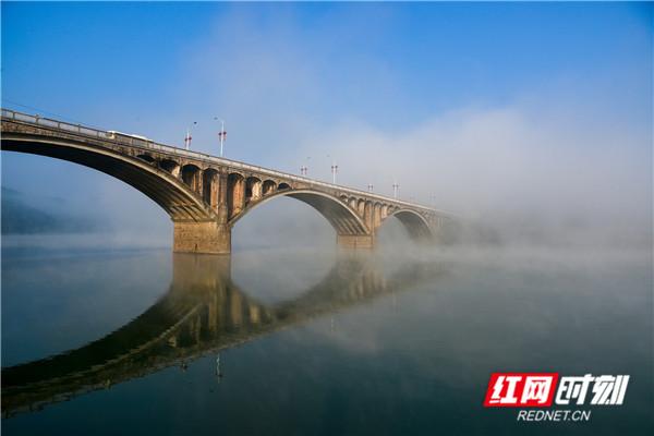 漫游衡阳 雾气氤氲里的老大桥