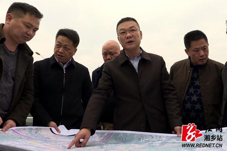周俊文到湖南韶峰南方绿色建材产业园现场办公