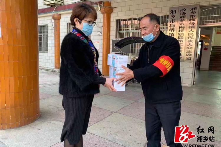 【防控疫情 我们在一起】省人大代表肖明强捐赠7500只医用口罩