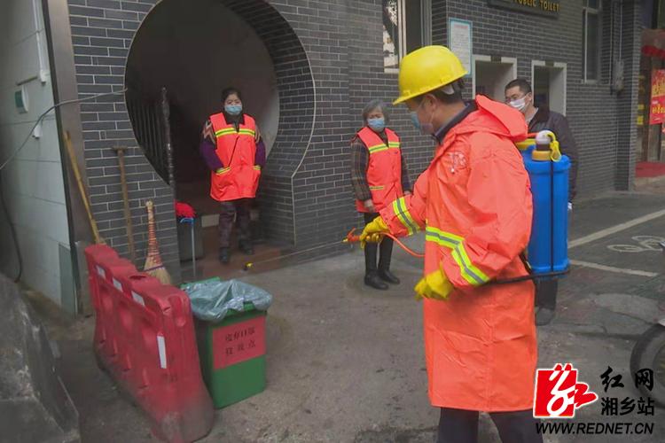 """【防控疫情 我们在一起】废弃口罩别乱扔 专用垃圾桶已""""上岗"""""""