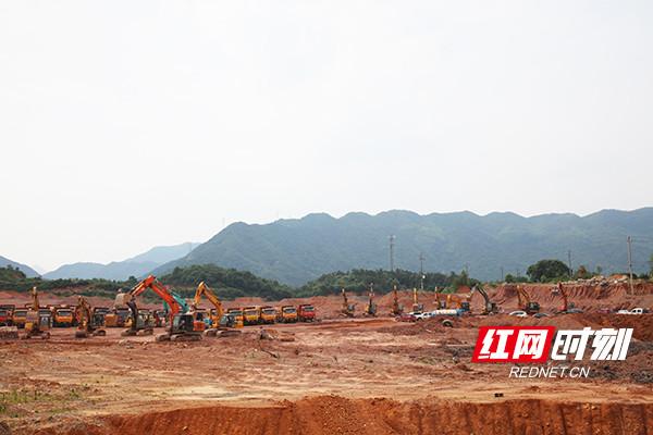 """奏响建设""""初夏强音"""" 浏阳经开区14个重点产业项目集中开工"""