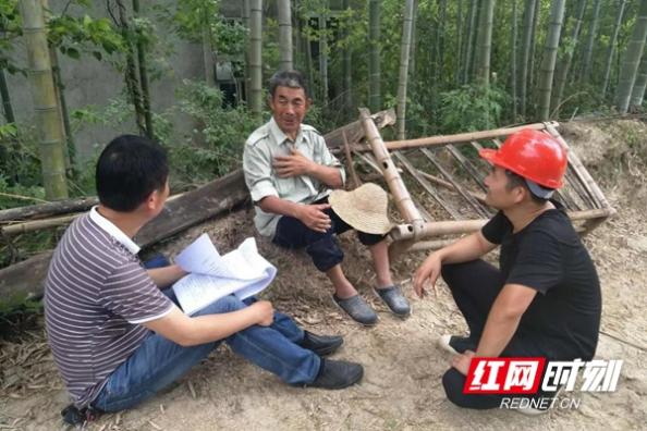 """邓海洋:岳阳县""""最美扶贫人""""助128人实现脱贫"""
