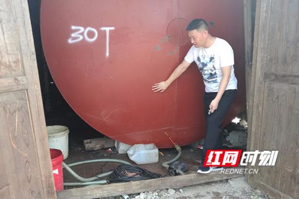 """惊吓!私藏60吨容量柴油罐 民宅成""""定时炸弹"""""""