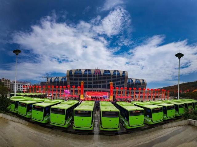 公交新能源新跨越(特色创新之美)