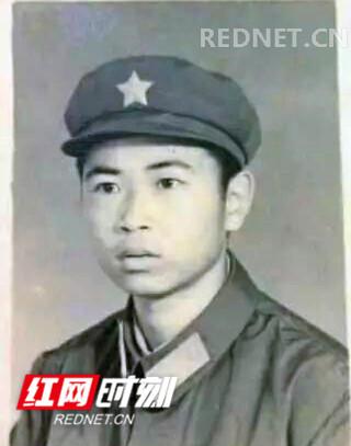 王裕文当兵时的照片。.jpg