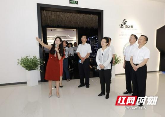 龙晓华率湘西州党政代表团到长沙考察