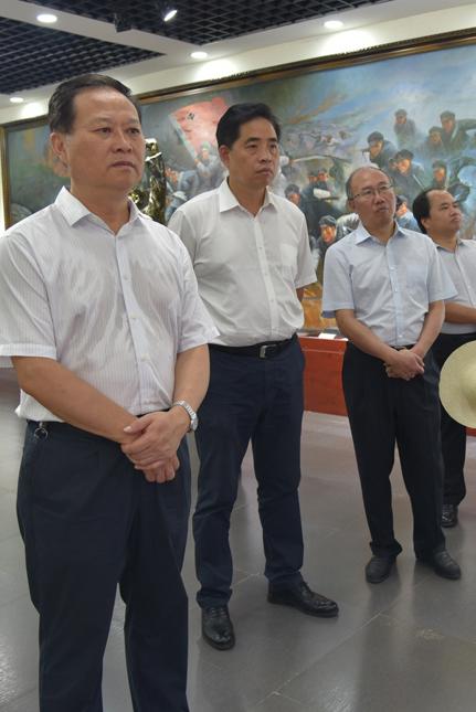 葉紅專深入湘鄂川黔革命根據地干部教育學院調研