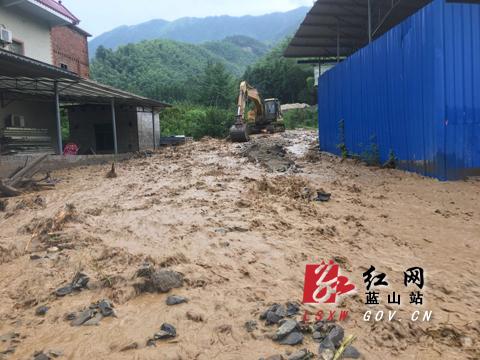 蓝山:大暴雨引发山洪 1500人受灾无人员伤亡