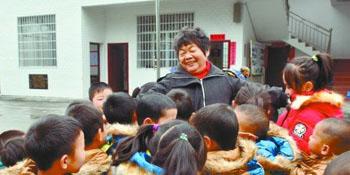 """[新华社]71岁""""支教奶奶"""":如果有一天我倒下了……"""
