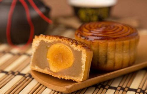 长沙海关截获禁止进境蛋黄月饼