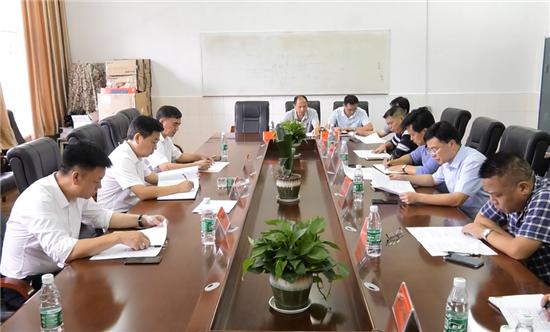 熊安台调研怀化市一中和集贤学校提质工作