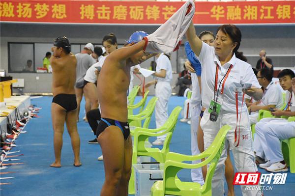 直击残运会|衡阳游泳队:比30块金牌更沉甸甸的是他们的故事