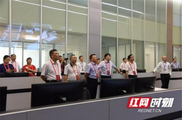 省人大代表调研益阳高新区芙蓉云计算数据中心项目