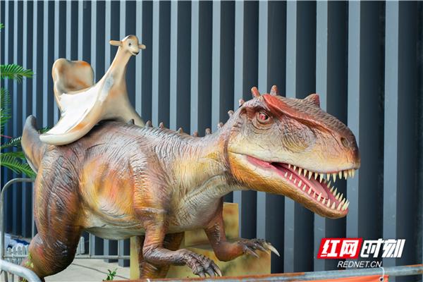 恐龙来了,中秋刷爆朋友圈的侏罗纪公园奇幻之旅来了!
