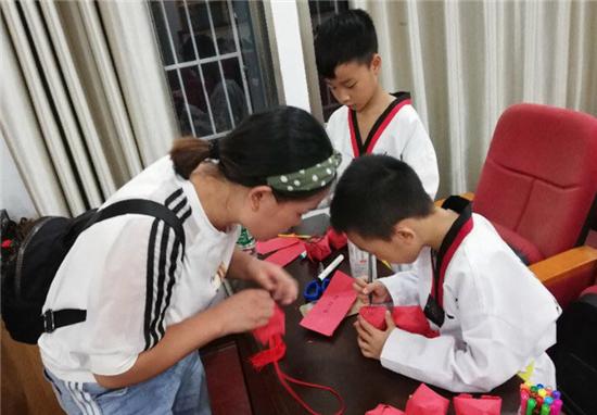 区图书馆开展中秋庆祝活动