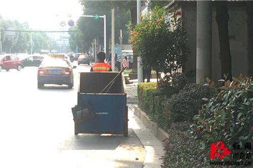 拖运垃圾车.jpg