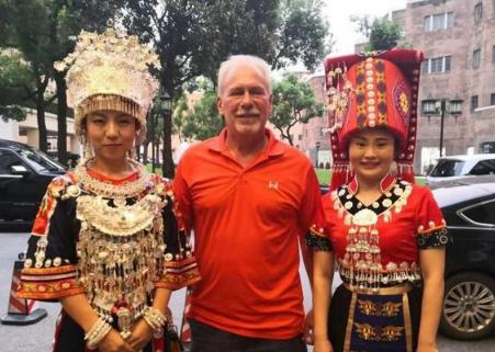 湘西州商务局民族团结进步创建工作出新彩