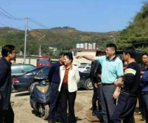 湖南省水利厅副厅长罗毅君来湘西沅水巡河
