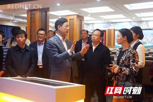 上海市政协副主席李逸平一行调研永州市政协信息化工作