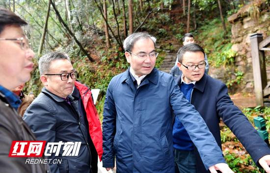 刘革安在武陵源核心景区调研时强调:坚持保护优先 推进设施提质