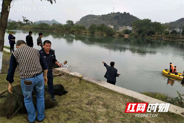 江华开展打击非法捕鱼专项整治行动