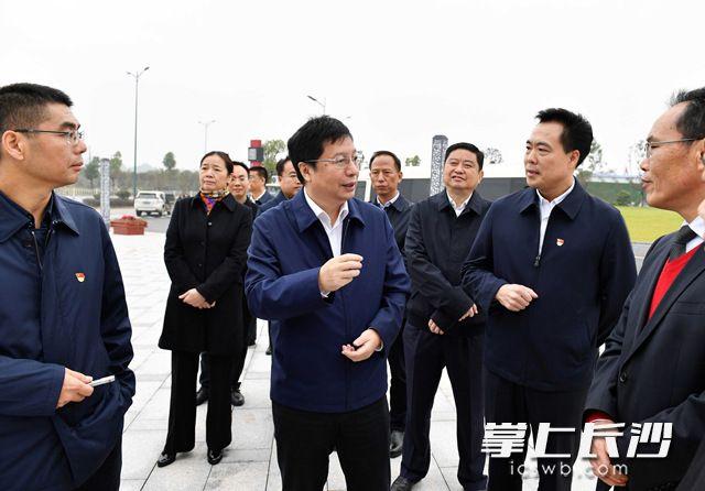 胡衡华深入长沙县黄兴镇调研推进新型城镇化建设工作