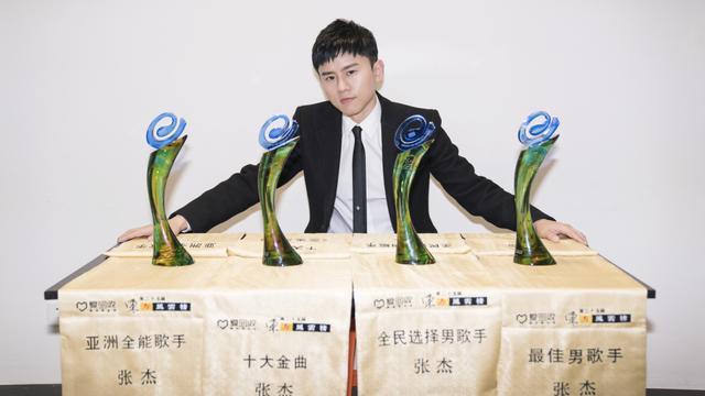 张杰获称音乐界年度劳模 收获满满展望国际