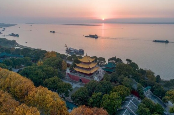 Dongting Lake Treatment Takes Effect