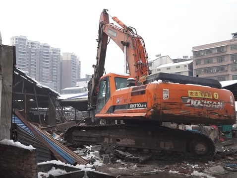 石门临时农贸市场大棚被拆除 多年安全隐患得到根治