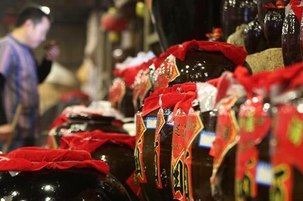 Rice wine brewing industry grows rapidly in Zhangjiajie