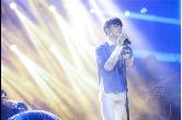 钱正昊成年生日会首唱新歌《由我》 温暖开嗓闪耀星城