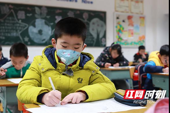 """期末考""""撞上""""流感季 长沙中小学这样迎考……"""