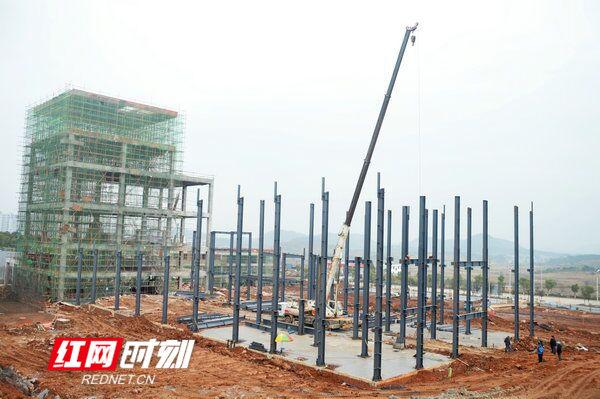 江华高新区亿元项目建设如火如荼
