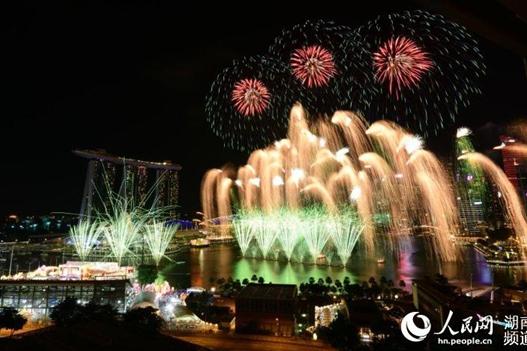 Liuyang Fireworks Light up Singapore Sky to Mark River Hongbao Celebrations