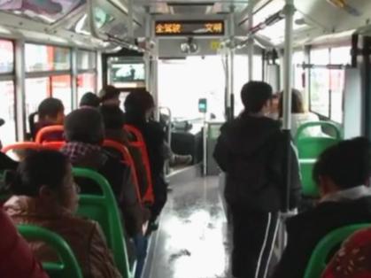 永州:公交司机自编顺口溜 传播正能量