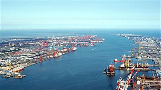 长沙外贸新年迎开门红  进出口猛增95.9%