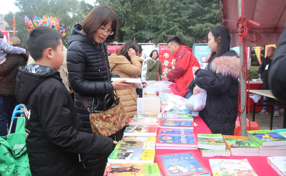 庆新春·闹元宵,莲乡数万群众共度佳节