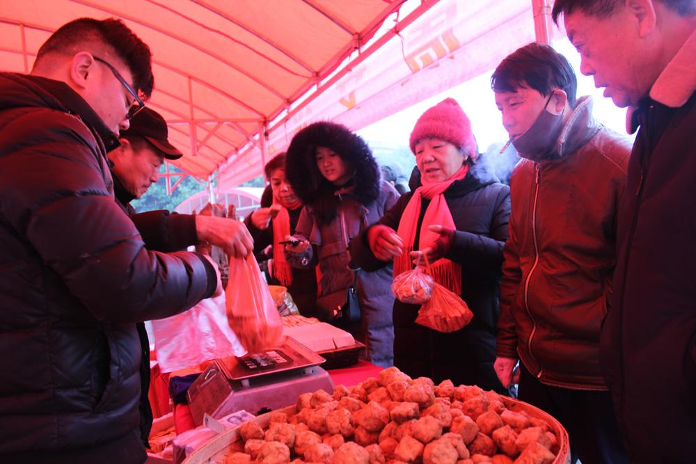 乡村旅游特色商品展——花石的豆腐。