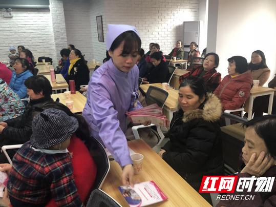 湖南省妇幼保健院:参与志愿服务 传承雷锋精神