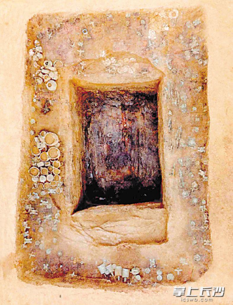 一处考古遗址出土了大量青铜器。