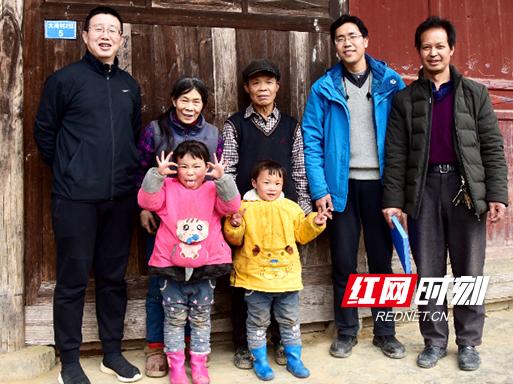 湖南银联党组书记、总经理危刚: 推动大湾村顺利脱贫