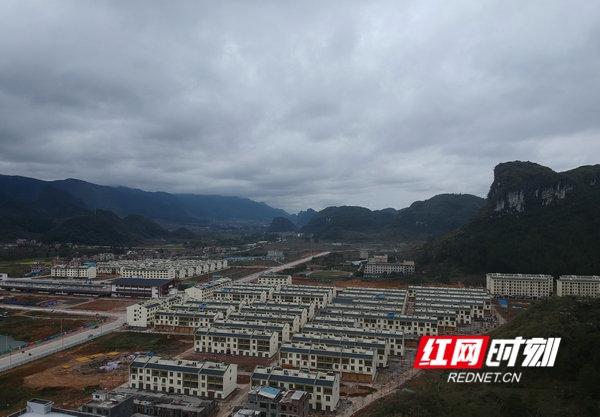 江华:壮瑶民俗风情小区初具规模
