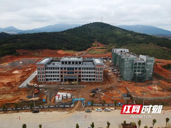 江华:四联移民瑶胞有了自己的医院